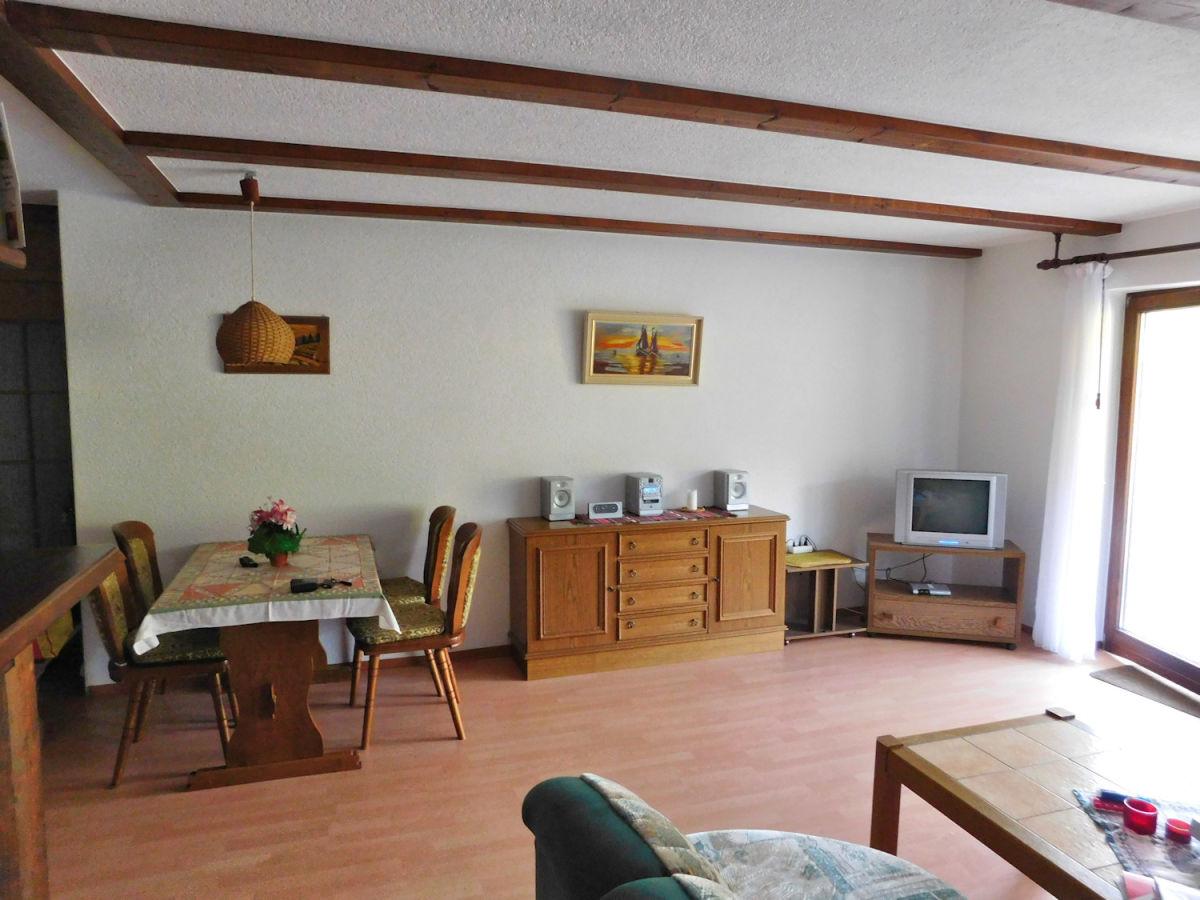 Ferienwohnung groll hochschwarzwald herr fritz groll for Wohnzimmer mit esstisch