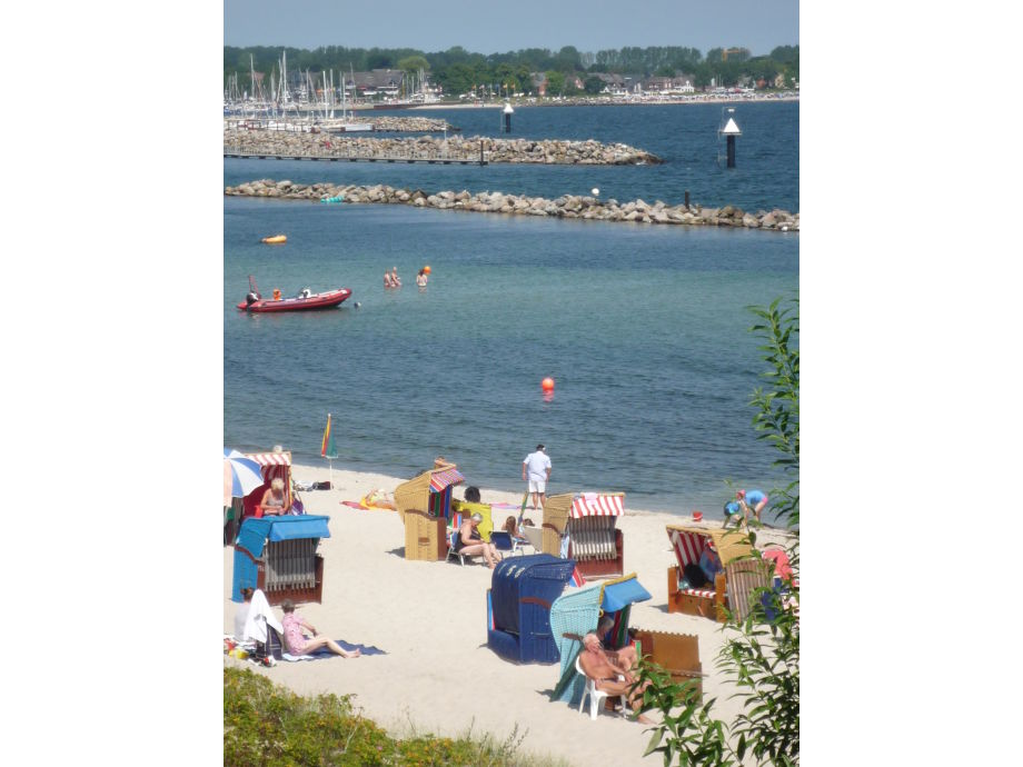 Der Strand vor der Tür - der Segelhafen ganz nah