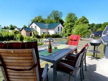 Ferienwohnung Villa Hügel - Luxus OG-Wohnung