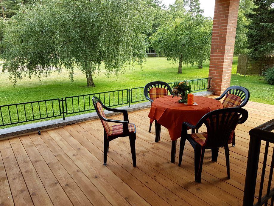 Sitzplatz an der Ferienwohnung