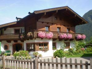 """Ferienwohnung 2 im Landhaus """"Maria Pfannhauser"""""""