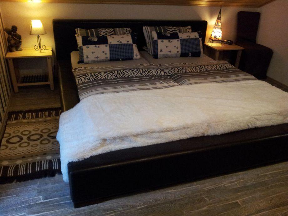 ferienhaus chalet am waldsee eifel vulkanpark frau beate dahm schmitz. Black Bedroom Furniture Sets. Home Design Ideas
