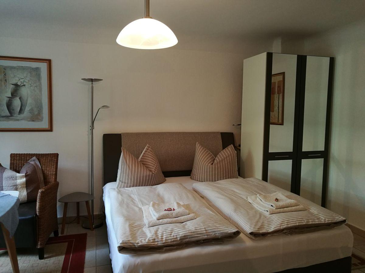 g stezimmer antje hillebrand potsdam innenstadt frau antje hillebrand. Black Bedroom Furniture Sets. Home Design Ideas