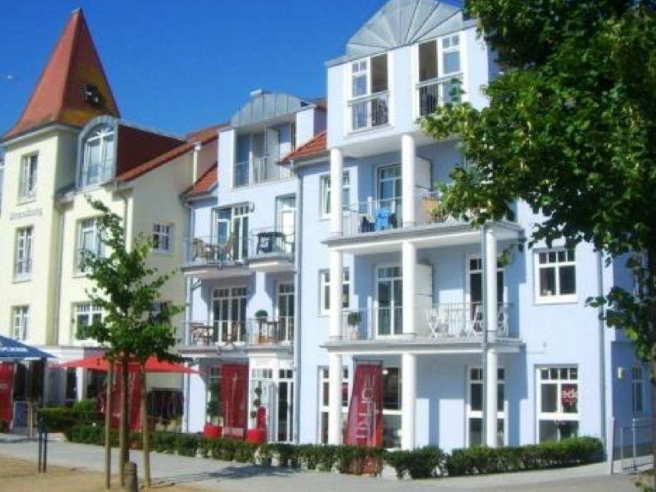 Residenz Strandburg - Petite Fleur in grüner Gartenlage