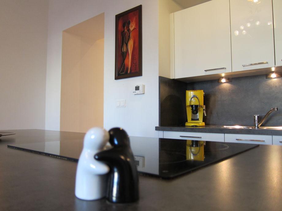 ferienwohnung wien zentrum mit wlan 5 minuten zur u bahn u4 margaretng rtel wien herr agnieszka. Black Bedroom Furniture Sets. Home Design Ideas