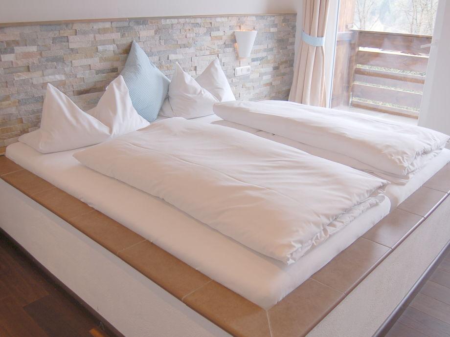 2. Schlafzimmer im Alpinstil