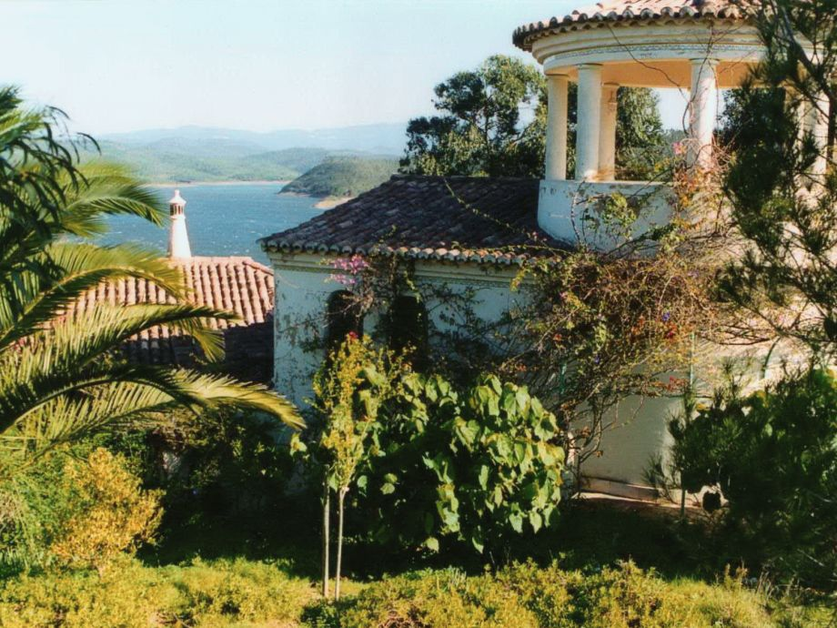 Haus mit Blick auf den See