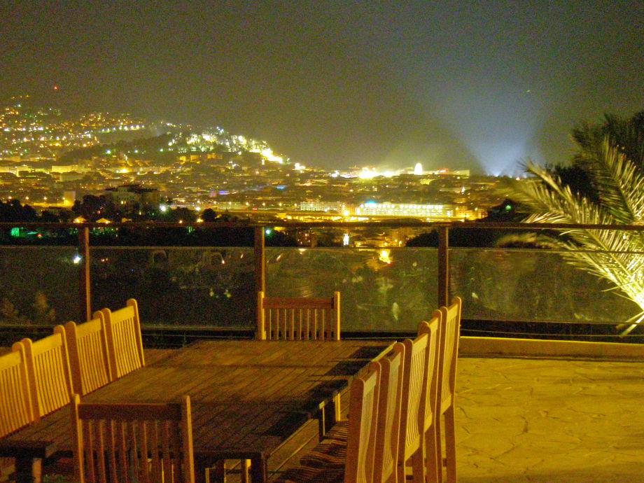 Tausende Lichte vom Zentrum Nizza