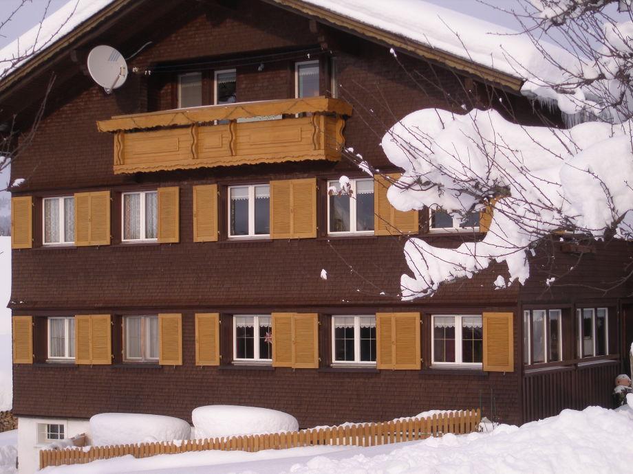 Unser Haus im Winter.