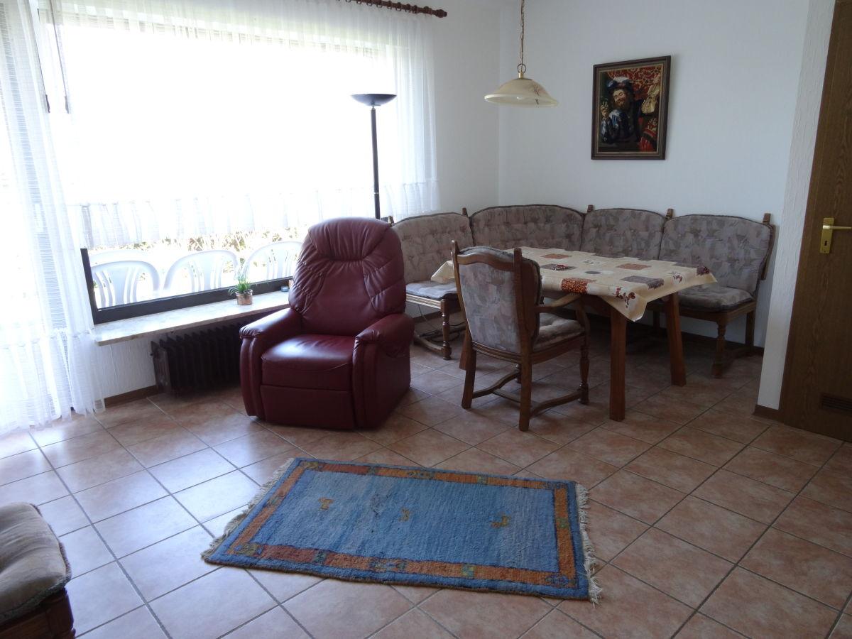 ferienwohnung 1 anne jansen nordsee borkum frau nicola. Black Bedroom Furniture Sets. Home Design Ideas