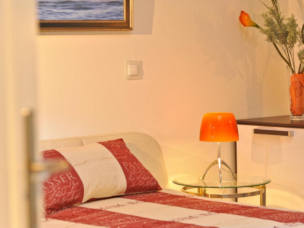 ferienwohnung sea for miles binz insel r gen herr reinhard holewa. Black Bedroom Furniture Sets. Home Design Ideas