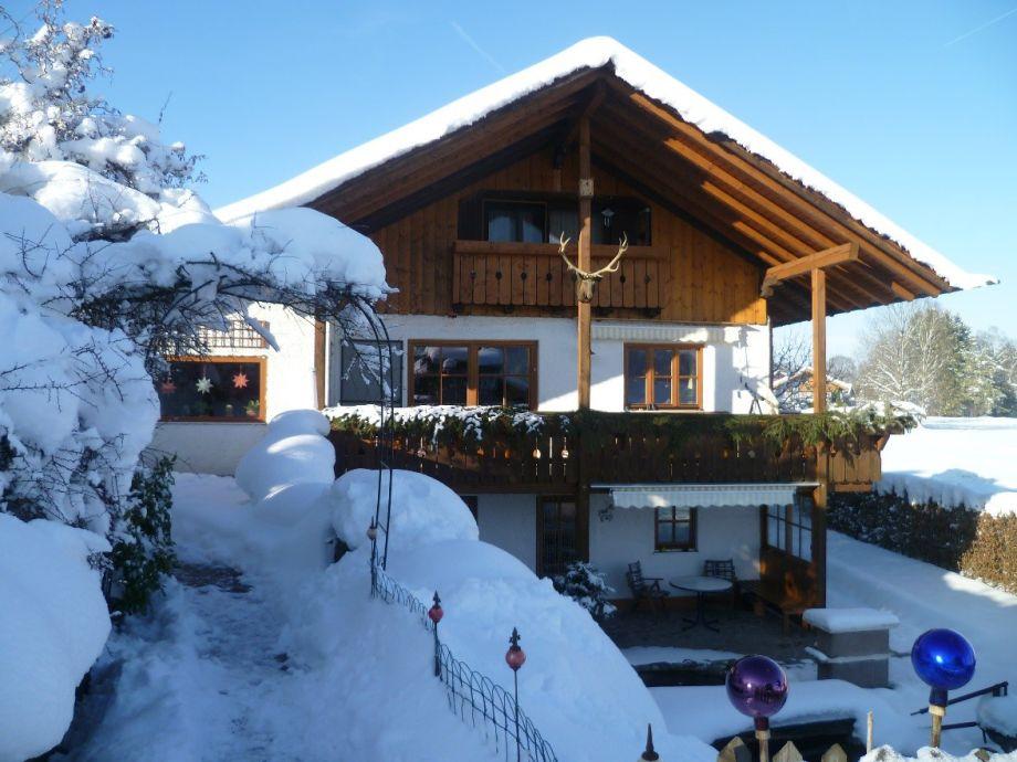 Ferienwohnung im EG mit Terrasse, Teich und Garten