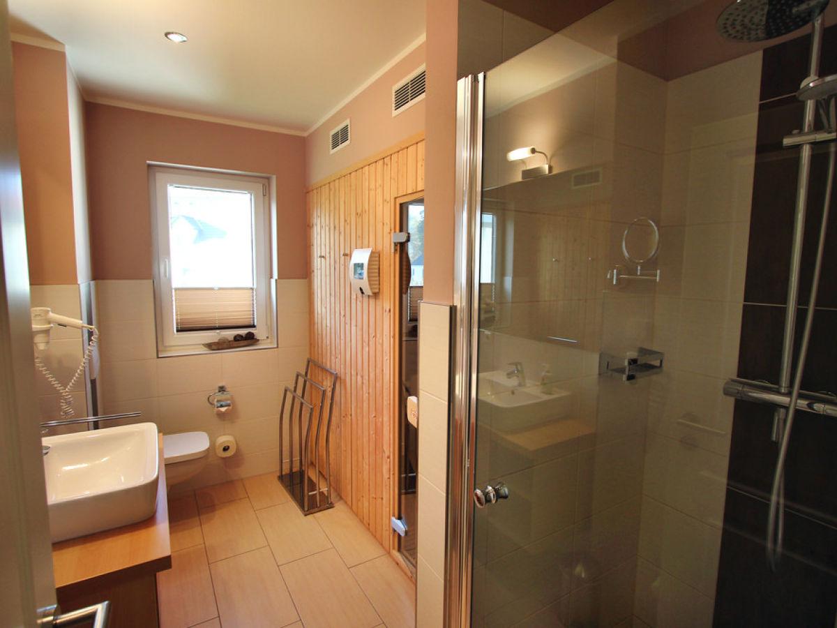 ferienwohnung villa h gel luxus eg wohnung fleesensee meckenburgische seenplatte firma gsa. Black Bedroom Furniture Sets. Home Design Ideas