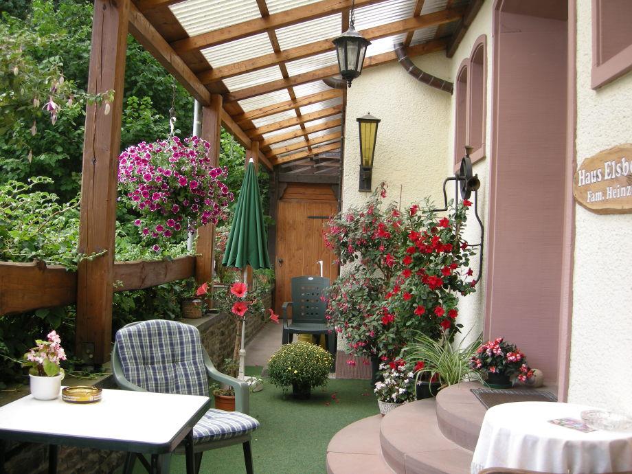 Eingang & Terrasse