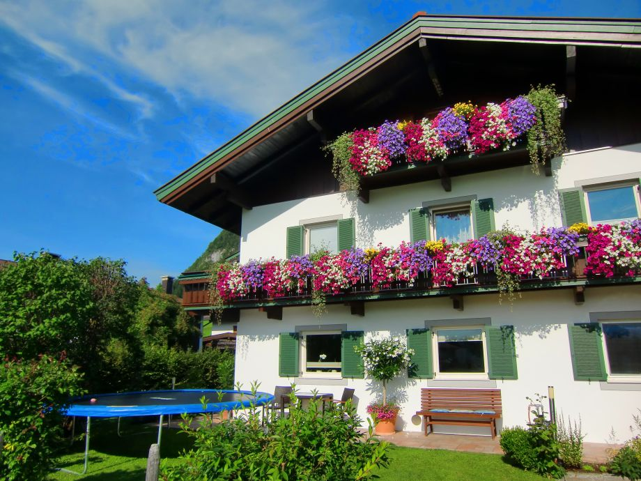 Haus Gründler im Sommer