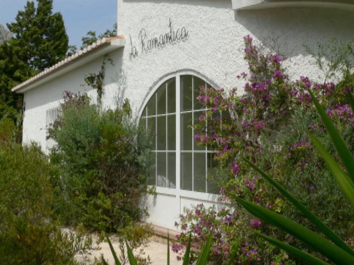 Bungalow la romantica mit pool und tropischem garten for Bauanleitung garten pool korsika 1