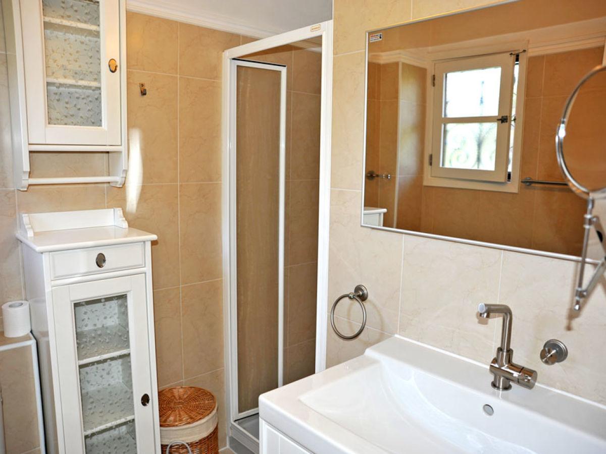 Schlafzimmer mit badezimmer moderne inspiration innenarchitektur und m bel - Klug badezimmer design stauraum organisieren ...