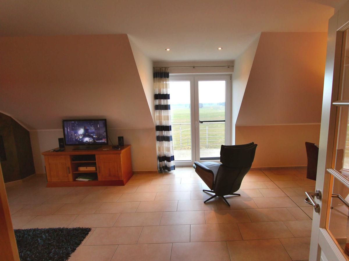 ferienwohnung haus bellevue luxus og wohnung fleesensee meckenburgische seenplatte firma. Black Bedroom Furniture Sets. Home Design Ideas