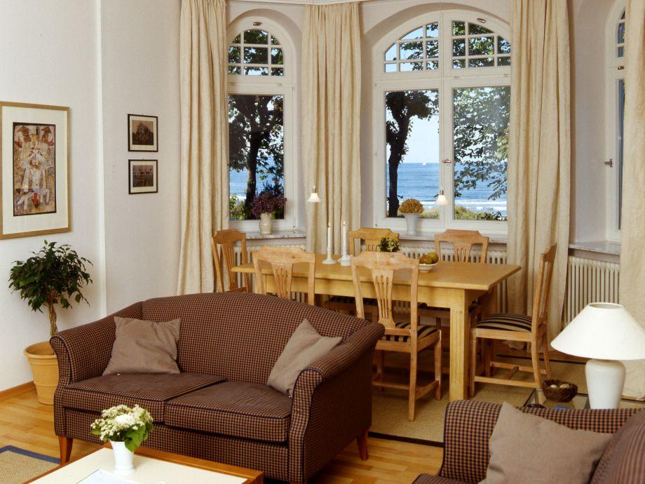 2 Sofas + Sessel mit Esstisch Wohn-/Esszimmer