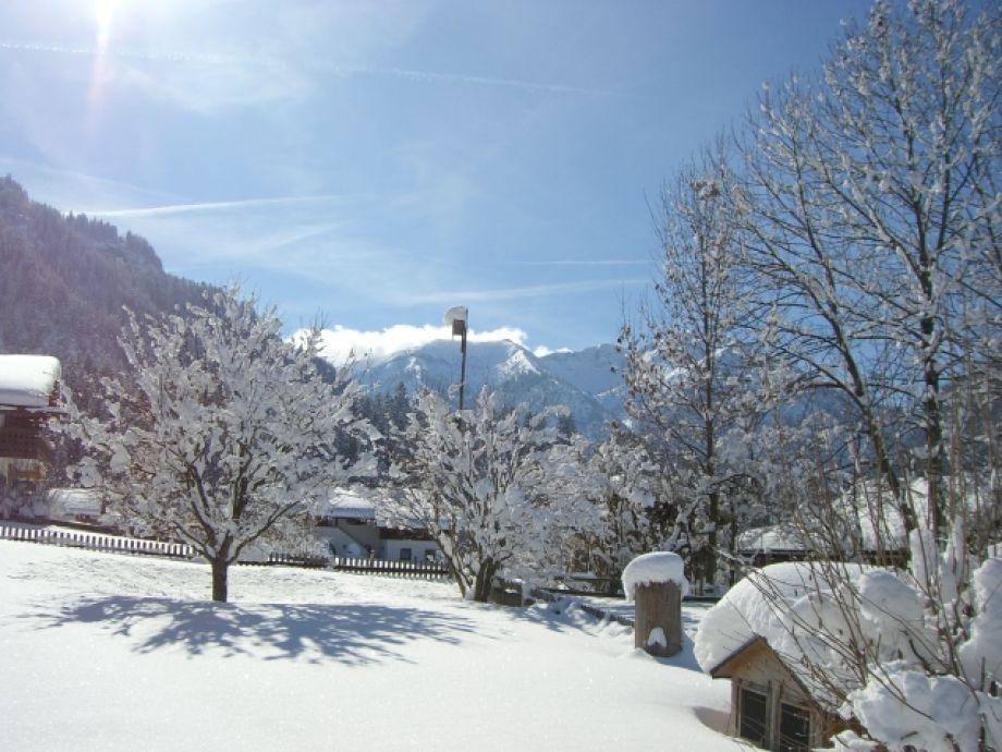 Ferienwohnung barbara raggl ammergauer alpen familie barbara raggl - Garten im winter ...