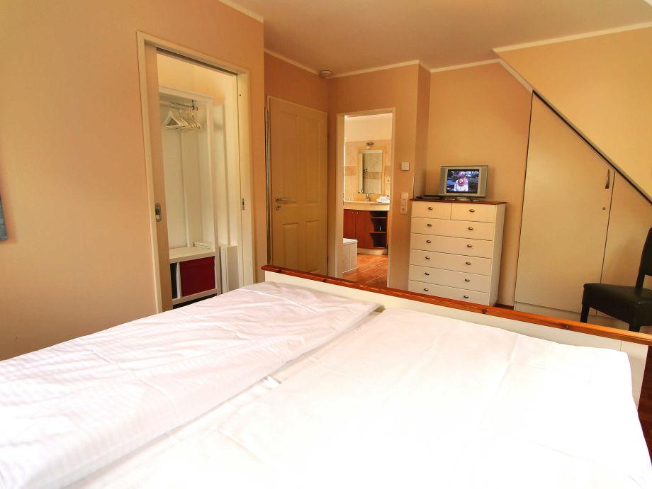 ferienhaus haus seerose mecklenburgische seenplatte firma gsa mbh frau anja maslowski. Black Bedroom Furniture Sets. Home Design Ideas