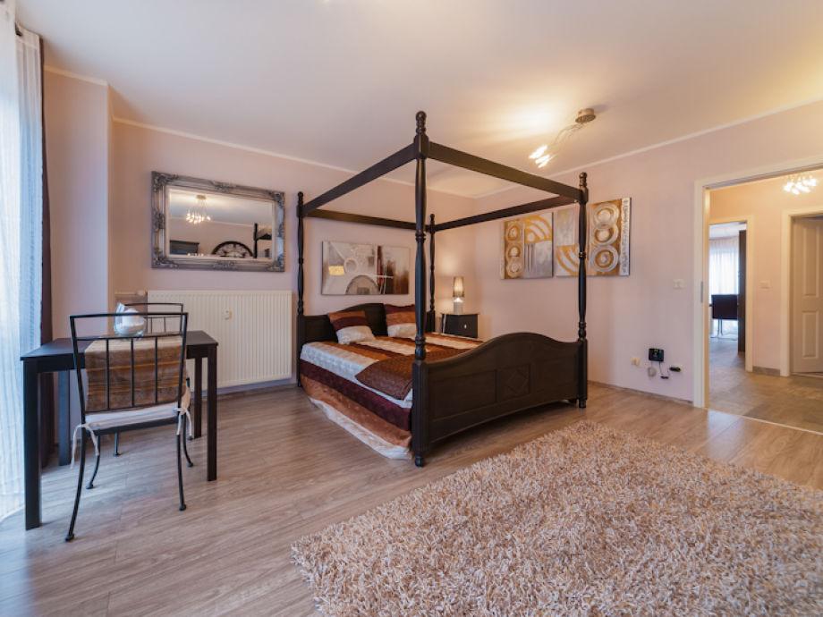 ferienwohnung elbflorenz sachsen dresden firma wolf gbr claudia und torsten wolf frau. Black Bedroom Furniture Sets. Home Design Ideas