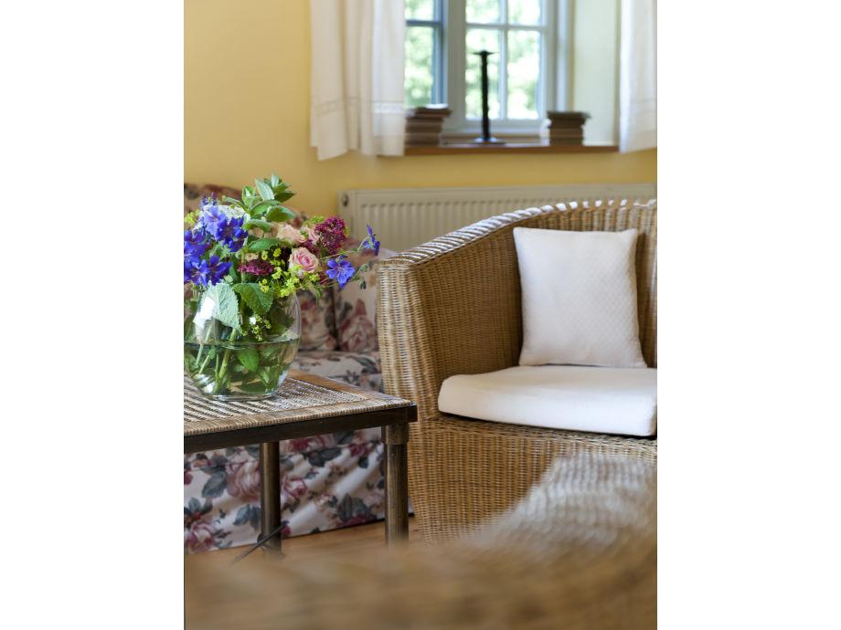 v geln vor dem kamin. Black Bedroom Furniture Sets. Home Design Ideas