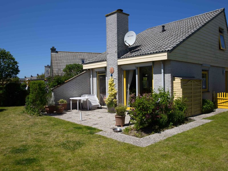 "Holiday house Strandslag ""de zeehond"""