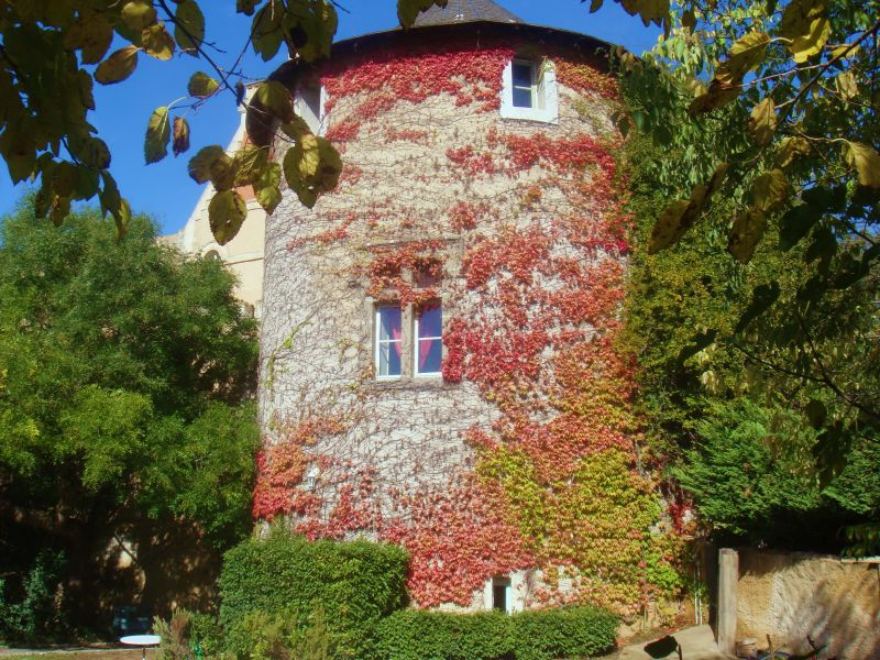 Holiday apartment Duplex in round tower of Hermitage de Combas castle
