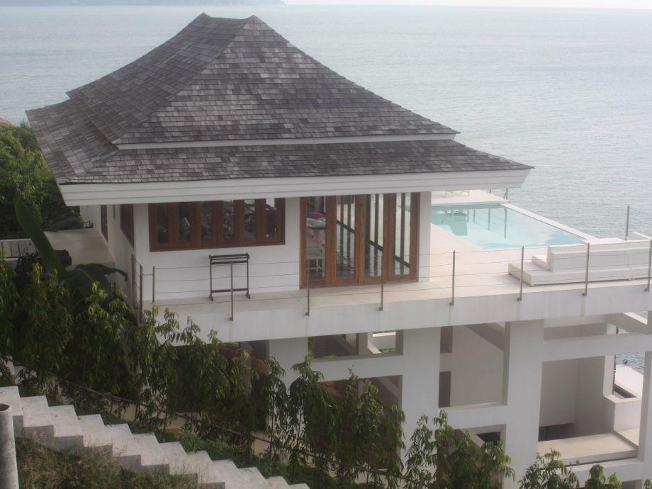 Wohnbereich mit Pool