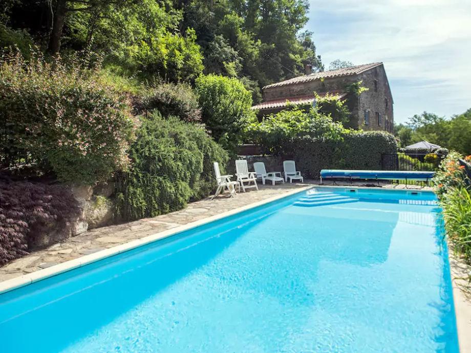 Gepflegten Garten und Pool