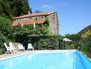 Ferienwohnung La Bergerie mit Pool