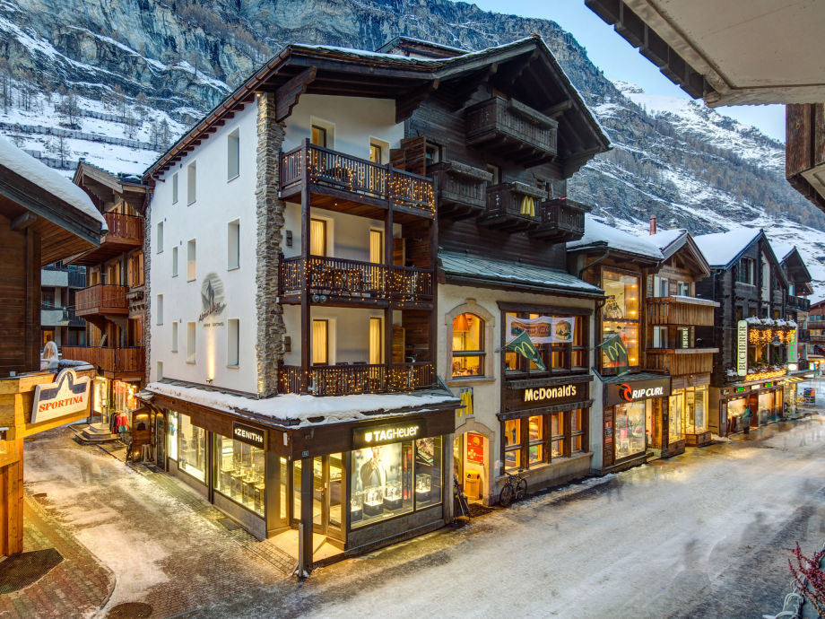 chalet Alpine Lodge Winter
