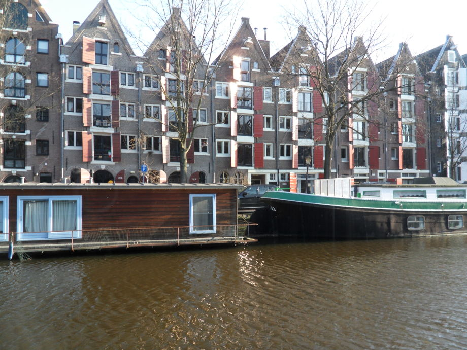 House boat the guest houseboat amsterdam jordaan for Houseboat amsterdam