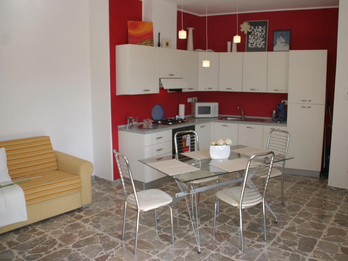ferienwohnung casa bianca piccola nordk ste sizilien provinz messina frau christa berg. Black Bedroom Furniture Sets. Home Design Ideas