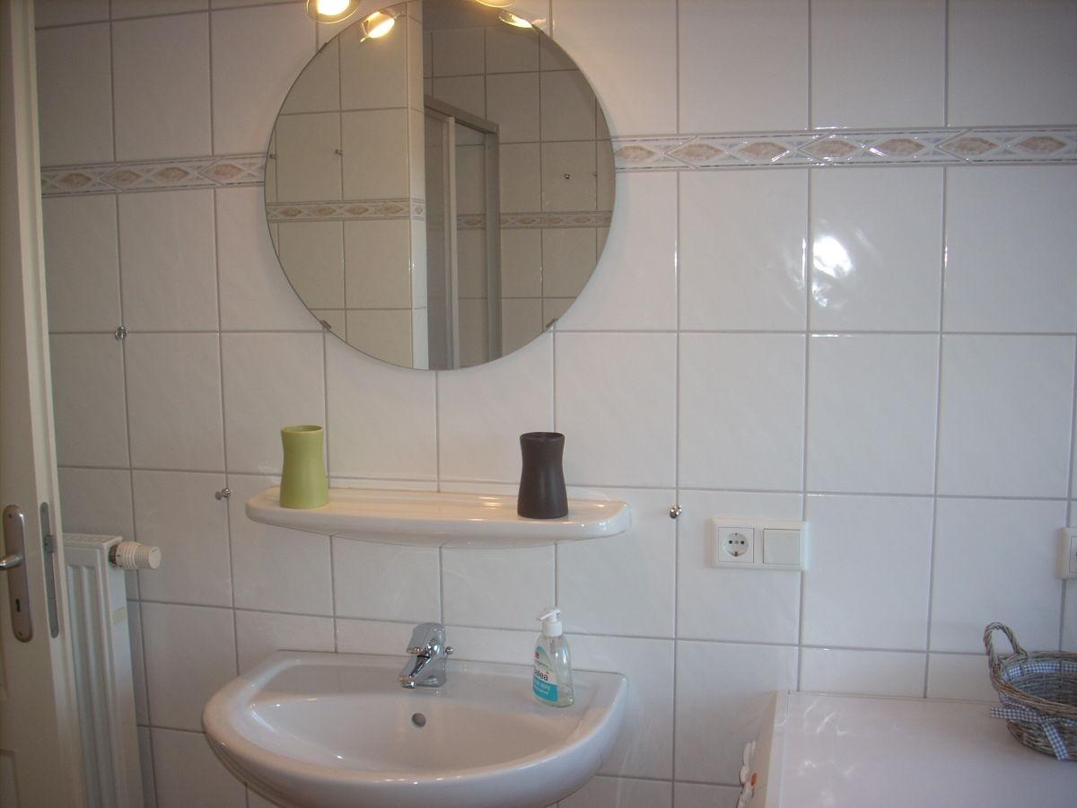 Grundriss badezimmer 9qm wohndesign und innenraum ideen for Badezimmer ideen 9qm