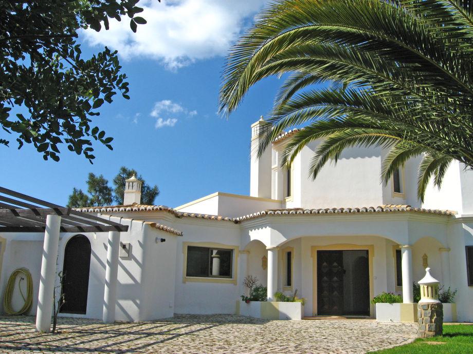 Außenaufnahme Casa Ferrari