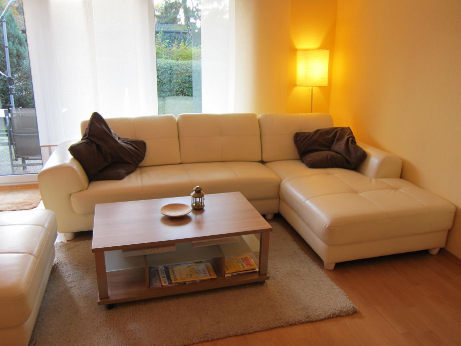 Die gemütliche Sitzecke im Wohnzimmer wartet auf Sie!