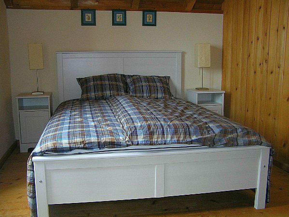 Ferienhaus casa girassol azoren frau jolanda pandiscia bressan - Rustikales schlafzimmer ...