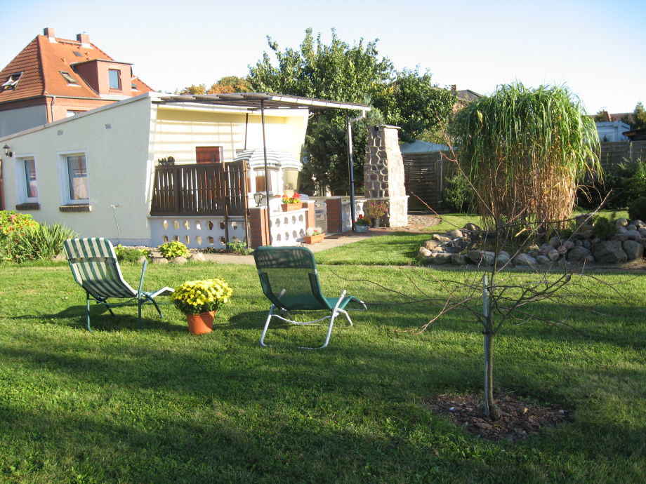 Ferienhaus und Garten