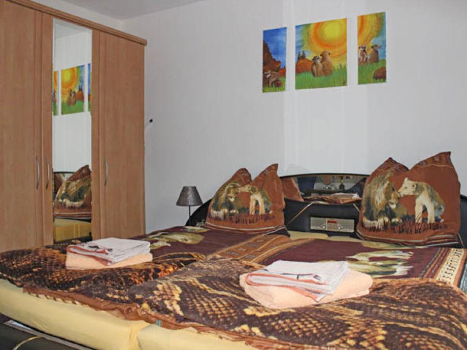 Ferienwohnung Re-Kreation-Afrika, Schneifel (Eifel) - Frau ...