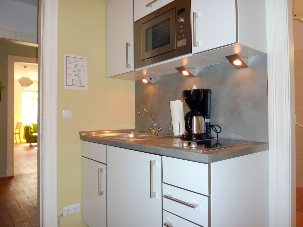 apartment wohnung 5 ballhornhaus l beck herr carlos diaz. Black Bedroom Furniture Sets. Home Design Ideas