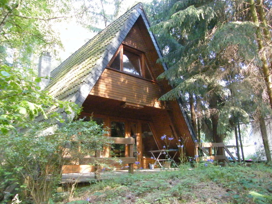 Westseite mit Holzveranda