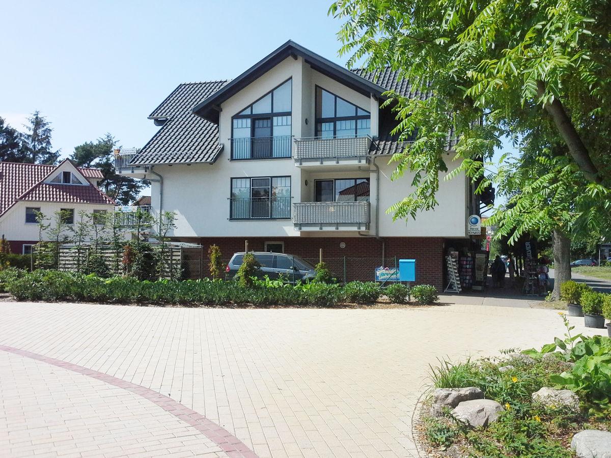 Ferienwohnung nr 7 villa seeluft zingst familie for Sofa von der seite