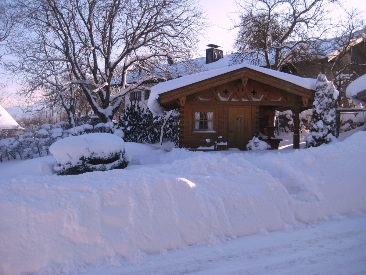 ferienwohnung 3 auf dem demelhof chiemsee firma demelhof frau monika lackerschmid. Black Bedroom Furniture Sets. Home Design Ideas