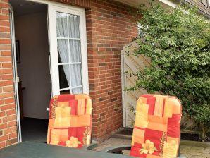 "Holiday apartment Amrum in ""Haus-Godewind"""