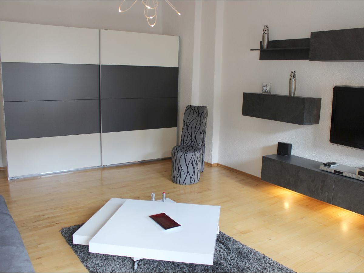 Ferienwohnung in berlin prenzlauer berg frau viola stendahl blaschke - Wohn schlafzimmer modern ...