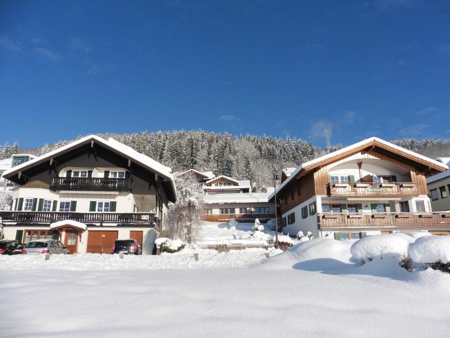 Winteransicht unserer Häuser