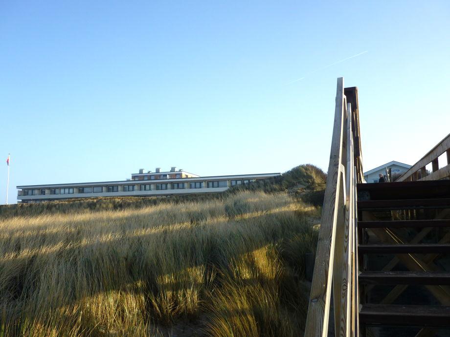 Dünenhof zum Kronprinzen vom Strand aus