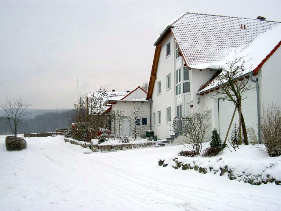 Winterbild Haus von vorne